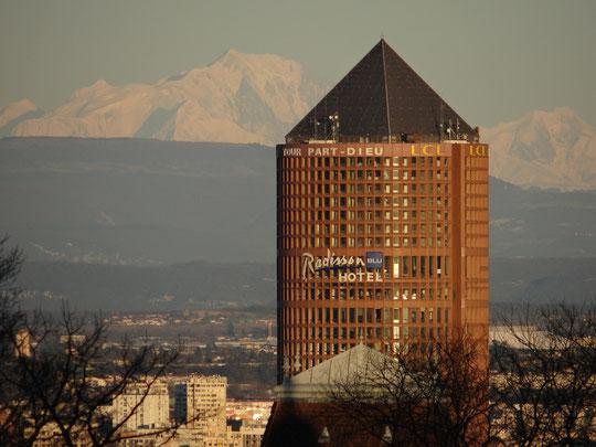 Le 21 février 2016, depuis Fourvière,  avec le Mont Blanc en arrière plan.