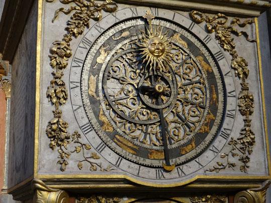 L'horloge astronomique dans la Cathédrale Saint-Jean