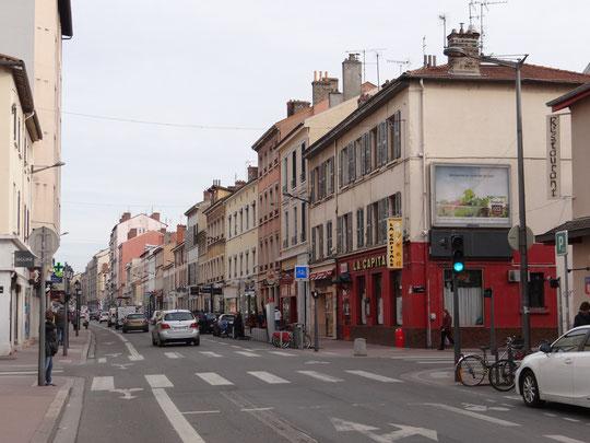 L'avenue des Frères Lumière depuis le croisement de la rue Villon en mars 2015