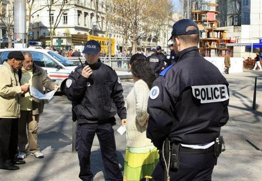 Place du Pont, contrôles de police...