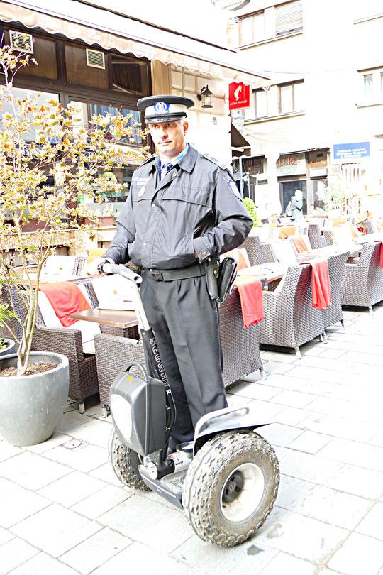 """police """"montée"""" dans la vieille ville"""