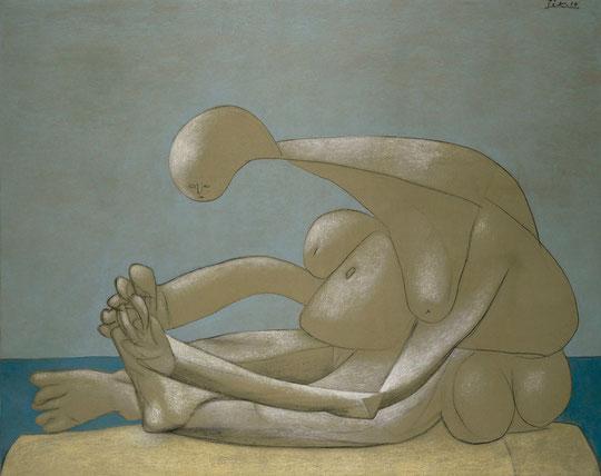 Pablo Picasso : femme assise sur la plage