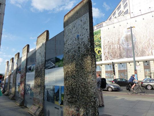 Morceaux de mur près de la Potsdamer Platz (photo Annie Bentolila-Flacsu)