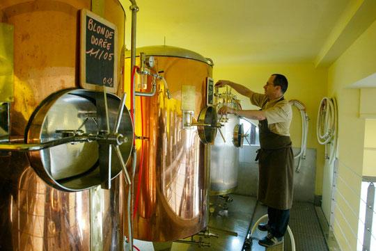 """La bière """"Georges"""" brassée sur place"""