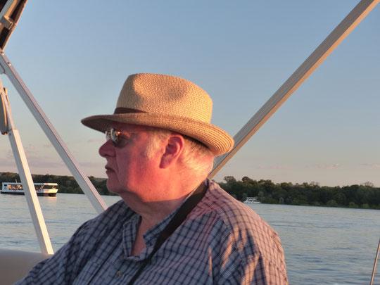 en bateau sur le Zambèze (photo Annie Bentolila)