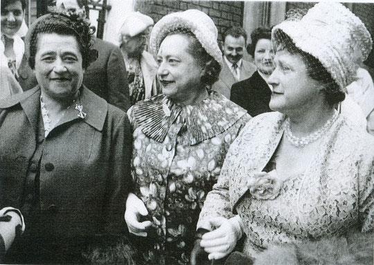 de gauche à droite : Marcelle, Yvonne et Madeleine Grombach