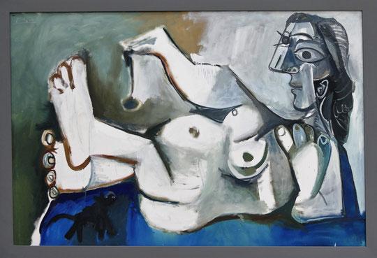P. Picasso : femme nue jouant avec un chat, 1964