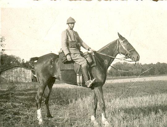 Roland pendant son service militaire vers 1930