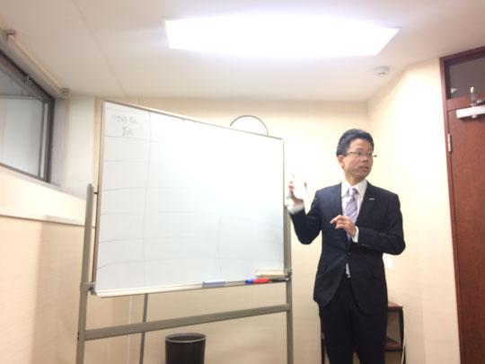 個人事業に対する「法人化のメリット デメリット」について話す ファイナンシャルプランナーの山野佳和さん。