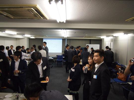 会員、入会検討者、あわせて50名近くの方が集合。