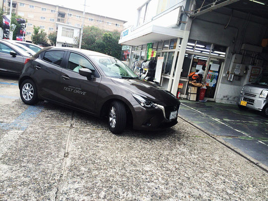 新車 MAZDA DEMIO!