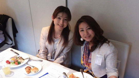 ジェイ・エイチ・アール講師プロダクションの薮知子社長(左)と 辻智代先生(右) ありがとうございました!