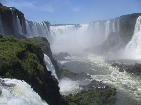 Les chûtes d'Iguaçu au Brésil, en Argentine et au Paraguay !