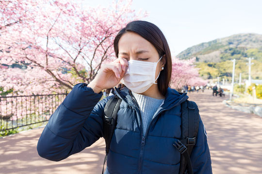 辛い花粉症も対処いたします  江坂 山本鍼灸院