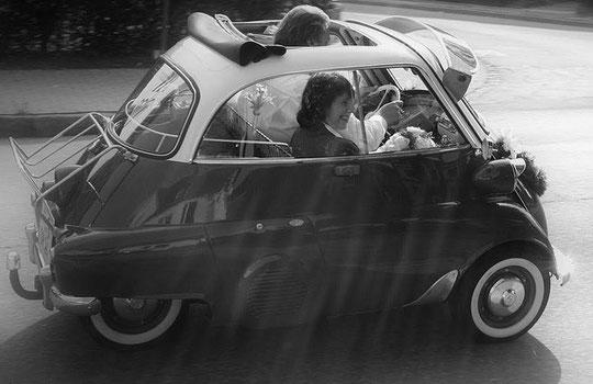 Mit der Isetta zur Hochzeit...