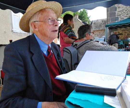 Jean MAISON et son livre 1939-1945 La Résistance du Plateau des Etangs à Paris libéré.