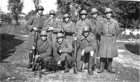 1 Magny Montarlot René Rivière 2e en partant de la droite en haut 18 septembre 1944