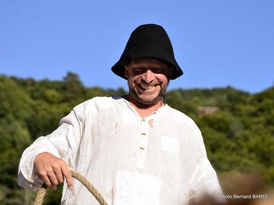 la gabare d'Argentat-sur-Dordogne comme scène de théâtre.