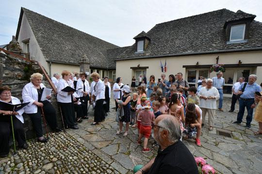 """Chorale """"Les Pieds Chantant"""" de Soursac (19)"""