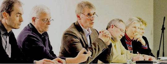 Werden Nabu und OVH bald eins? Uwe Schneider, Dieter Goy, Andreas Humbert, Winfried Kauer, Maren Burgdorf und Nabu-Landesverbandsvorsitzunder Dr. Holger Buschmann diskutieren mit (Foto: Kaiser)