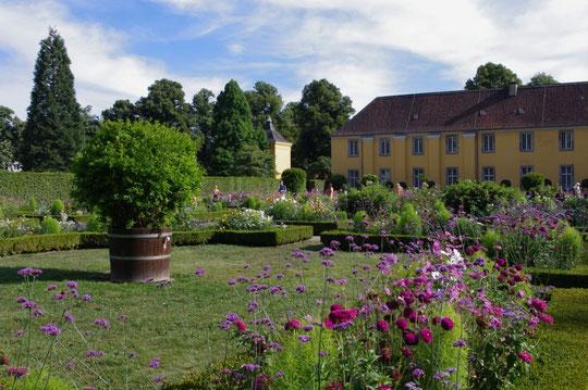Orangerie Benrath - Blumengarten