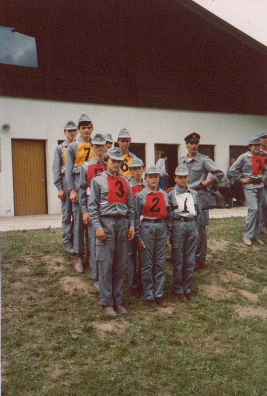 Die Jugendgruppe 1988 in Sand in Taufers