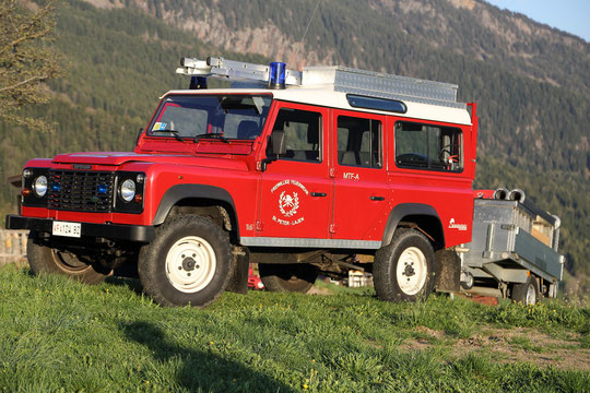 Mannschaftstransportfahrzeug mit Allrad und Tragkraftspritzenanhänger (MTF-A+TA)