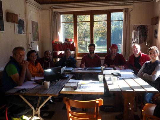 Le conseil du Syndicat National des gardiens de refuge réunis à Freydières en ce début de semaine.