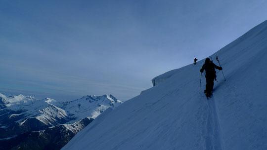 Tour de la Meije, en face Nord vers 3400m, on passe au dessus des seracs du glacier de la Meije.