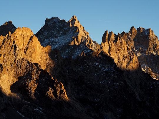 Avant hier soir depuis la terrasse du refuge du Promontoire : les couleurs du soleil couchant automnal sont justes magiques, magnifiques !