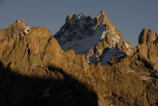 Le coucher de soleil dimanche, depuis la terrasse du Promontoire : on n'arrive pas à s'en lasser ! (n'oubliez pas de cliquer sur les photos ).