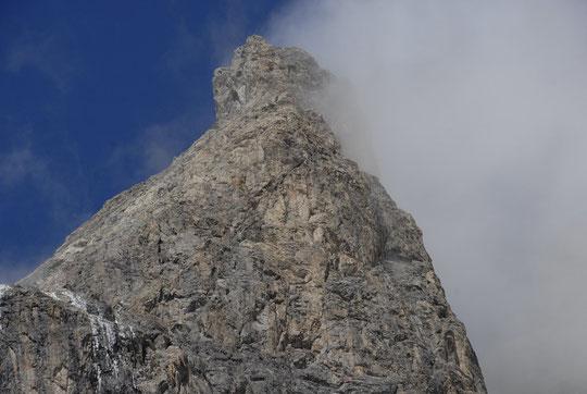 Situation à 15 h : les faces ouest et  sud du Grand Pic de la Meije sont presque séches.