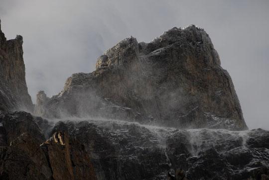 Même heure hier : la poudreuse vole sous le Pic du Glacier Carré.