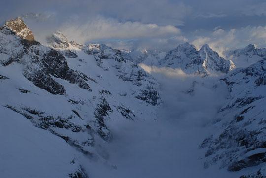 Soleil et nuages d'hier soir au Promontoire... (vous pouvez cliquer la photo !).