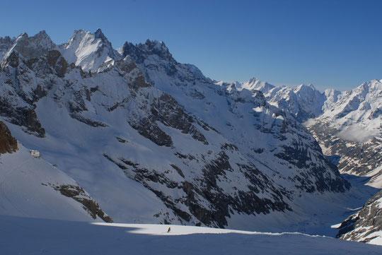 Le haut massif Oisans/Ecrins est un haut lieu exceptionnel pour les  skieurs de rando...