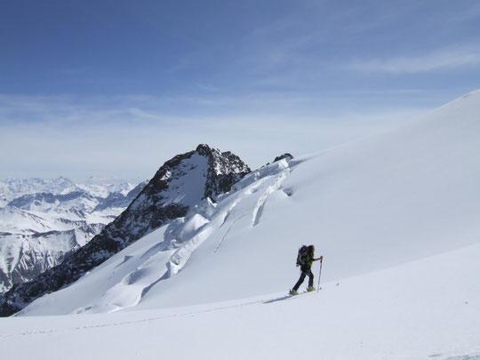 Tour de la Meije, à la sortie du Serret du savon, sur le glacier du tabuchet.