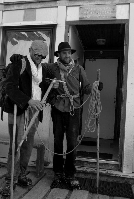 """Hier midi les premiers de la """"cordée historique"""" arrivent au Promontoire..."""