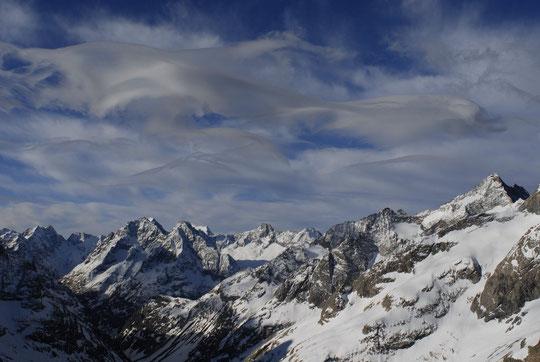 Ce matin vers 9h30, ciel annonciateur de la perturbation de sud qui arrive... (vous pouvez cliquer sur la photo).