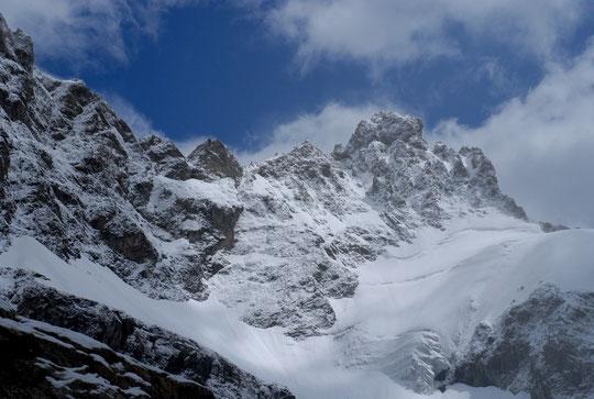 Hier après midi également, le col et le sommet du Pavé, bien blanchis !