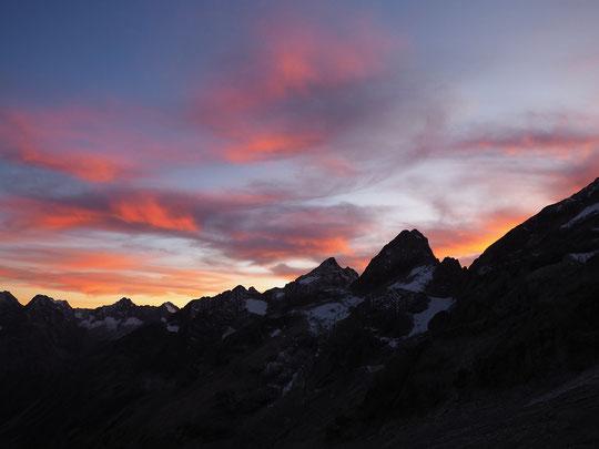Après le travail pour les équipes au Promontoire, avec une superbe ambiance d'automne en haute montagne !