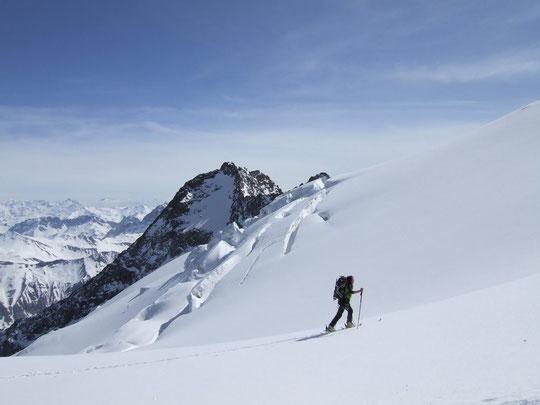 ... ils seront accueillis par le grand soleil sur le glacier du Tabuchet...
