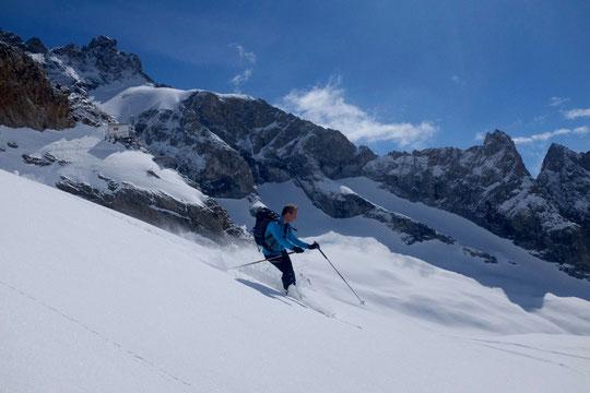Un peu de ski sous la Reine Meije avant de retrouver la vallée... !