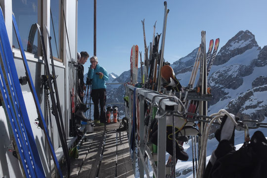 Cette première quinzaine d'avril en Oisans a été marquée par une très forte fréquentation des skieurs de rando. Une pratique (douce) de la montagne qui continue à se développer !