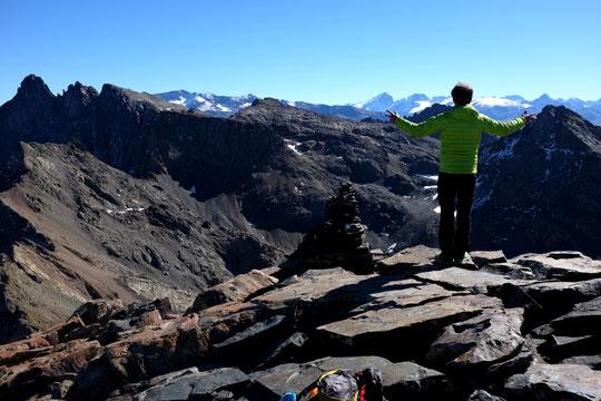 Au loin... la Meije et les glaciers de l'Oisans !
