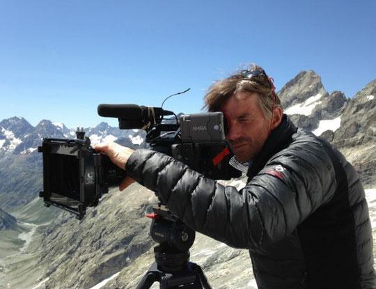 """France 2, """"Le Signal"""" images de Simon Watel. (ici sur la terrasse du refuge du Promontoire)"""