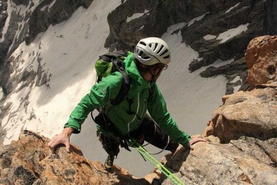 """Le haut de """"Nous partirons dans l'ivresse"""" , bien gazeux... après une bien belle escalade(Photo Kolia)."""