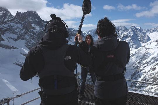 Une partie de l'équipe télé était montée au refuge les 11 et 12 avril 2015 pour le reportage qui va être diffusé sur TF1 dimanche 22 novembre à partir de 14h45.
