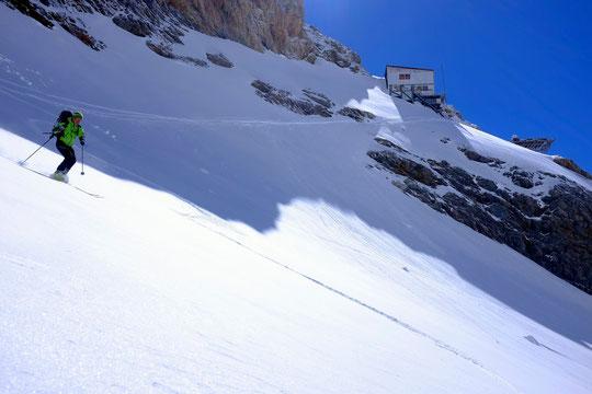 """Ski de printemps juste au départ du refuge du Promontoire, au coeur du Parc National des Ecrins...  ! (un clic pour imaginer l'ambiance, grandeur """"presque nature"""")"""
