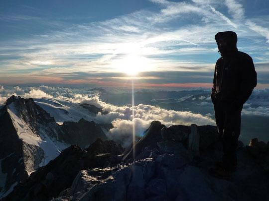 Au sommet de la Meije. Photo de la cordée Pierre Louis et Seb.