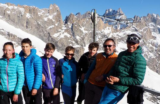 Hier soir au Promontoire, cinq jeunes (entre 11 et 15 ans) accompagnés par Yann le guide et un encadrant du CAF de la Région Sud (PACA). C'est parti pour un grand Tour de la Meije !